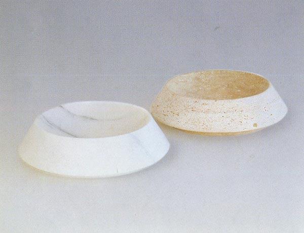 PLATA-design-a-cacciatori-marmo-bianco-carrara